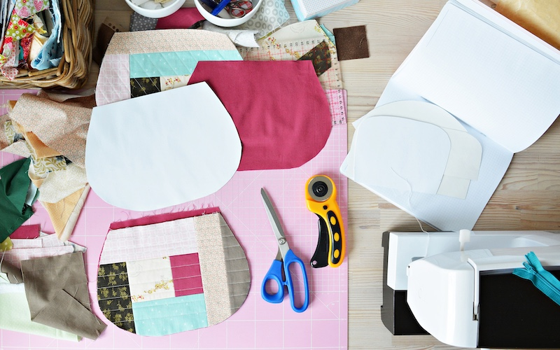 craft supplies for easy sewing projects on a sewing table