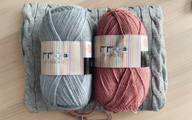 yarn balls with yarn weights on the labels